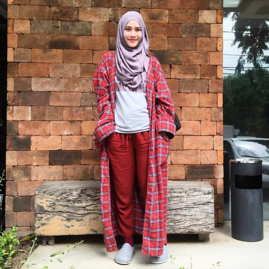 Aneka Tutorial Hijab Casual Ala Zaskia Mecca Ini Bisa Anda Tiru Lho