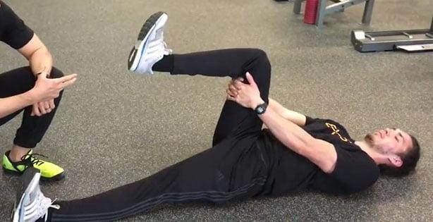 Cara Mengobati Sakit Pinggang, Supine Hamstring Stretch
