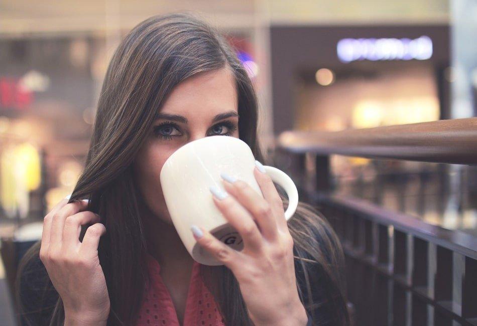 Bagaimana Cara Minum Teh Hijau Yang Benar
